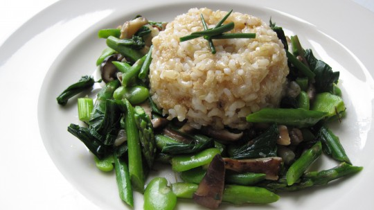 Spring vegetable braise with amaranth and brown rice