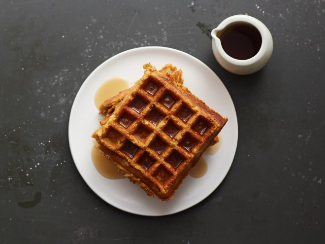 Pumpkin Oat Waffles (gluten free and vegan)
